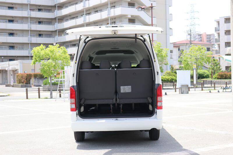 貸切バス旅行 トヨタハイエース 荷台