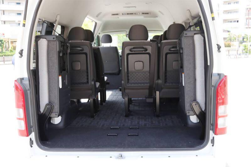 13名までご利用可能な貸切ワンボックス トヨタハイエース トヨタハイエース 荷台