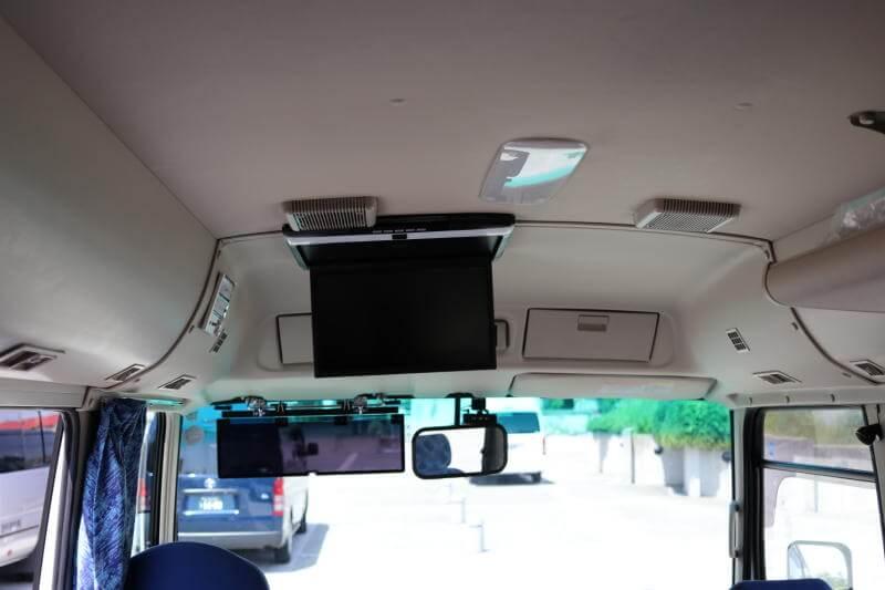 貸切バス 三菱ローザ(スーパーロング)テレビ